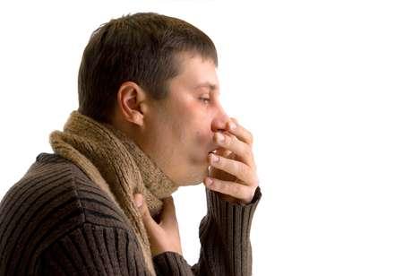 <p>La tos persistente es uno de los síntomas de la tuberculosis</p>