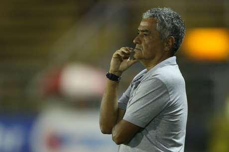 <p>Ga&uacute;cho n&atilde;o resistiu a mais uma derrota no Vasco</p>