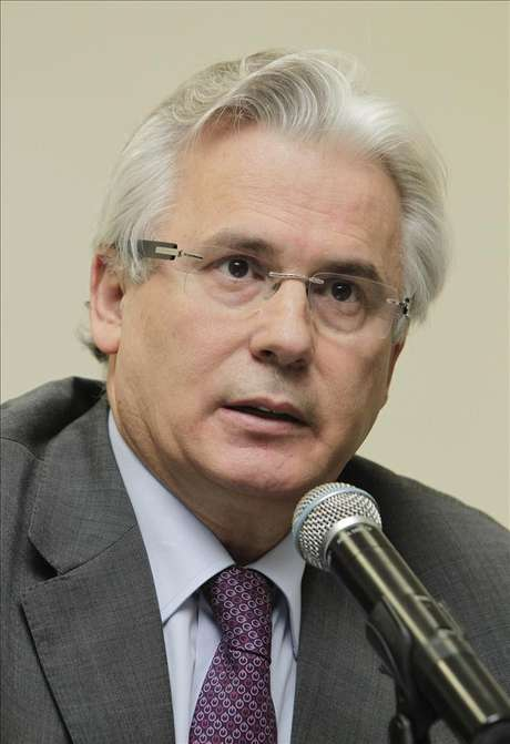 Baltasar Garzón dice que sería positivo abrir archivos del Vaticano