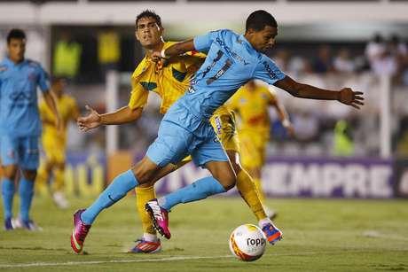Giva jogou no lugar de Neymar, que está na Suíça com a Seleção Brasileira