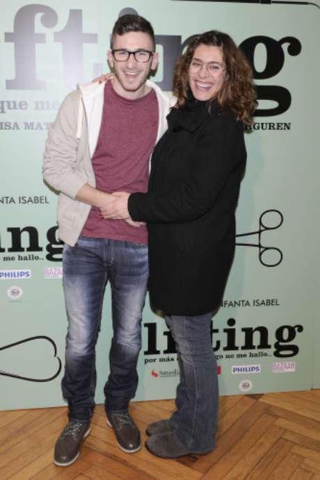 <p>David Castillo, Jonathan de 'Aída', cambió de fiesta y se marchó de la Diesel al estreno de la obra de teatro 'Lifting'.</p>
