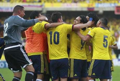 Gigafoto del partido colombia-bolivia 50