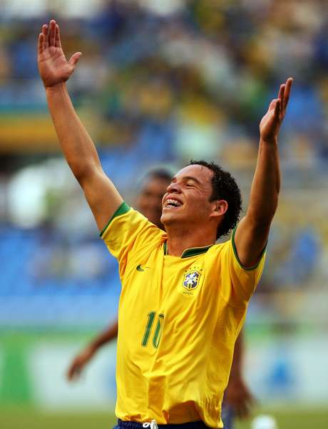 <p>Lulinha foi destaque da Seleção Sub-17 em 2009</p>