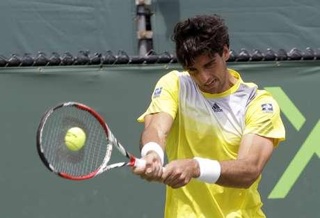 <p>Thomaz Bellucci não deve cair muito no ranking, já que no ano passado caiu na primeira rodada em Roland Garros</p>