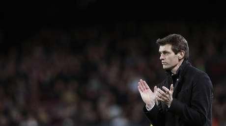 <p>Ainda não ficou claro seTito Vilanova está recuperado para trabalhar como técnico do Barcelona</p>