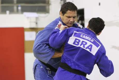 <p>Rafael Silva &eacute; uma da esperan&ccedil;as de medalha no Mundial</p>