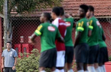 Alexandre Gallo observa amistoso entre Brasil e São Paulo