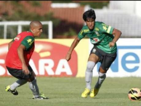 Matheus Índio em treino da Seleção Sub-17