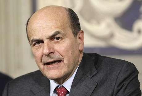 <p>Líder de centro-esquerda Pier Luigi Bersani durante reunião com o presidente italiano, Giorgio Napolitano, no palácio Quirinale, em Roma</p>