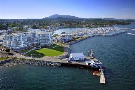 <p><strong>Vancouver Island</strong><br />Canadá pode não parecer uma escolha óbvia para quem busca um destino praiano, mas Vancouver Island, na Colúmbia Britânica é destino popular graças à parque nacional das Ilhas do Golfo. A ilha também é possui uma grande comunidade marinha e tem opções de estádia acessíveis como é o caso do Cais Sidney Hotel & Spa</p>