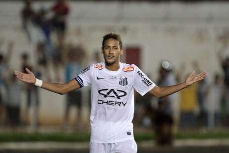 <p>Atacante pode estar perto de despedida do Santos, clube que o revelou</p>