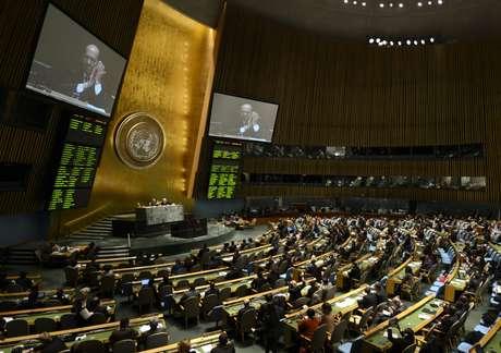 Após dez anos de debates, a Assembleia Geral da ONU aprovou, sem consenso, o Tratado sobre o Comércio de Armas