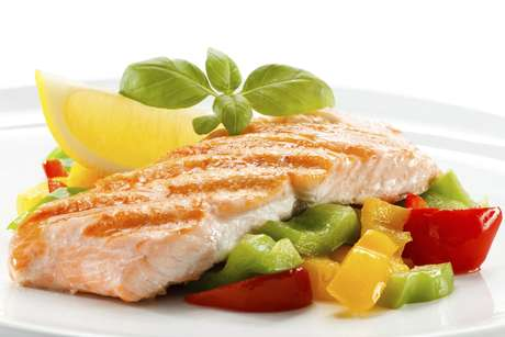 <p>O ômega-3 presente nos peixes pode melhorar a longevidade</p>