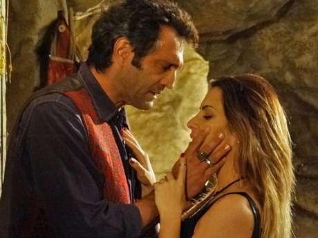 <p>Bianca (Cleo Pires) reclama que o guia não mudou a vida para ficar com ela</p>