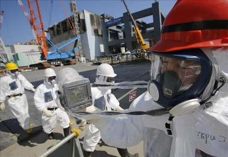 <p>TEPCO halla agua radioactiva en uno de los pozos de la Central de Fukushima.</p>
