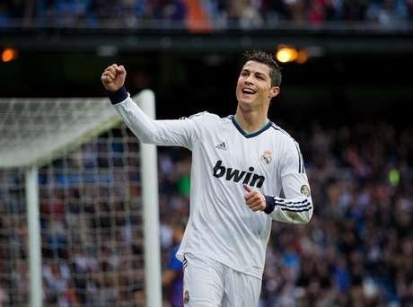 <p>Cristiano Ronaldo, con 810 minutos jugados en el torneo, es actualmente el líder de goleo de la Liga de Campeones temporada 2012-13, el jugador merengue tiene 9 tantos en el torneo.</p>