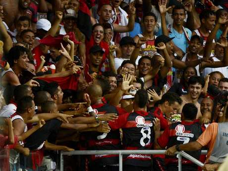 <p>Torcida do Vitória dominou a festa na Fonte Nova</p>
