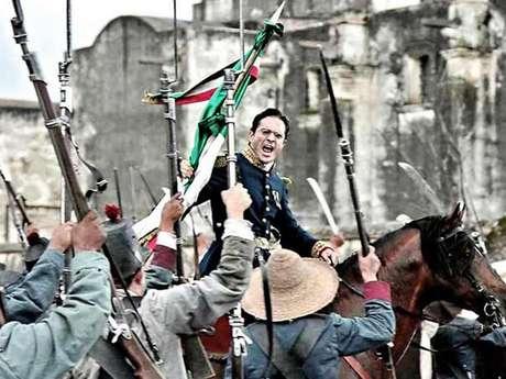 """<p><span style=""""color: rgb(51, 51, 51); font-family: arial; font-size: 10.909090995788574px; line-height: normal;"""">La cinta aborda la guerra entre los ejércitos de México, bajo el mando de Ignacio Zaragoza, interpretado porKuno Becker, y el representante del Imperio Francés.</span></p>"""