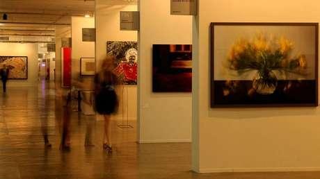 Na edição de 2012, a SP-Arte recebeu cerca de 20 mil visitantes e, em 2013, as galerias participantes esperam fechar vários contratos de venda durante os cinco dias de evento