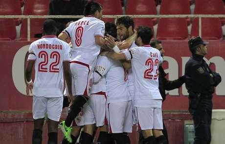 Jornada 30ª. Sevilla - Athletic. Celebración del gol de Negredo.