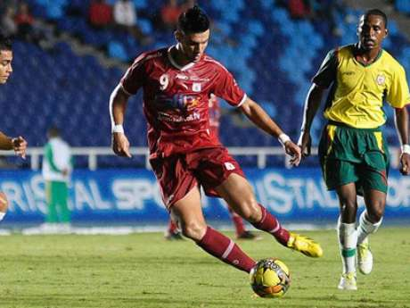 <p>El delantero brasileño Flavio Carvalho fue expulsado en el juego entre América de Cali y Llaneros</p>