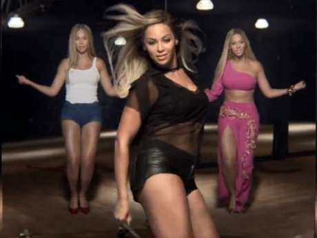 """<p>Beyoncé revive a los personajes más calientes que ha encardado en los videos musicales, a lo largo de su fructífera carrera artística, en el nuevo video promocional que realizó para una reconocida marca de refresco titulado """"Mirrors"""".</p>"""
