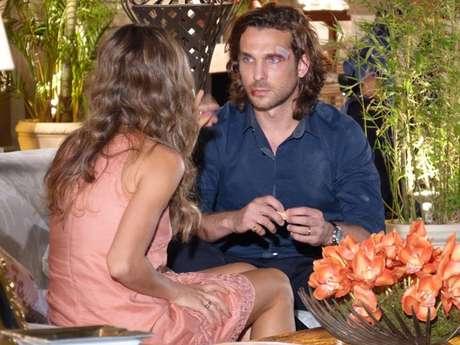 <p>Ester pergunta se houve algum motivo para Cassiano agredir Alberto</p>