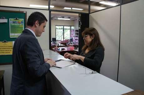 <p>O advogado da AVTSM, Jonas Espig Stecca, entregou um requerimento na 1ª Vara Criminal de Santa Maria para se habilitar como assistente de acusação na ação do caso Kiss</p>