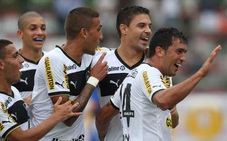 <p>Botafogo encara o Resende; título da Taça Rio garante Campeonato Carioca antecipado à equipe</p>