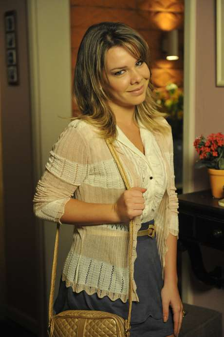 <p>Fernanda Souza anuncia volta à Malhação e diz que fará personagem engraçada</p>