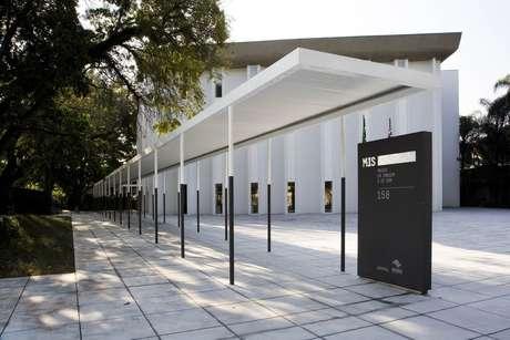 O Museu da Imagem e do Som, em São Paulo, apresenta exposições com o que há de mais atual nas artes audiovisuais. Além disso, recebe eventos corporativos e conta com um ótimo restaurante