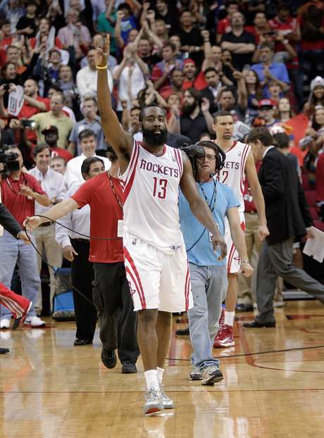 <p>James Harden&nbsp;deve enfrentar seu ex-time nos playoffs, o&nbsp;Oklahoma City Thunder</p>