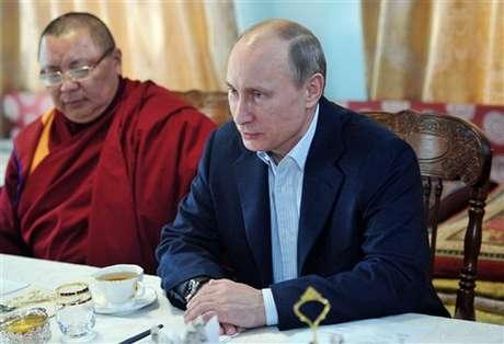<p>El presidente ruso, Vladímir Putin, figuraba en una lista secreta de sospechosos que utiliza habitualmente la Policía finlandesa, aseguró hoy un portavoz policial, que confirmó que se trata de un error que ya fue subsanado y que está siendo investigado.</p>