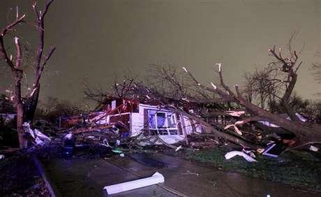 <p>Científicos estadunidenses pronosticaron 18 tormentas tropicales y nueve huracanes para la temporada de huracanes del Atlántico, Golfo de México y el Caribe, que inicia el 1 de junio y concluye el 30 de noviembre próximos.</p>