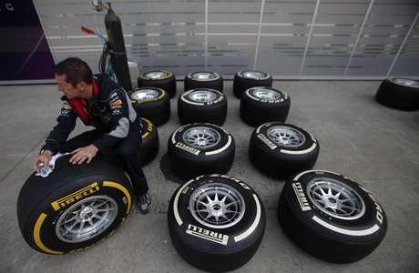 <p>FIA prioriza seguran&ccedil;a como exig&ecirc;ncia em novos pneus</p>