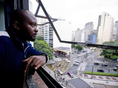 <p>Daniel Orisakwe, 23 anos, teve de fugir da Nigériaapós um de seus irmãos ser assassinado e o outro desaparecer. Agora, ele sonha em refazer a vida em São Paulo</p>