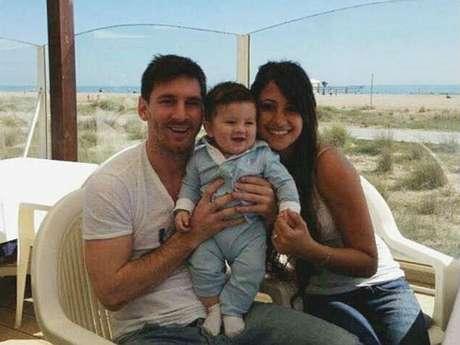 No es la primera imagen que circula del pequeño Messi, pero sí la primera en la que se le ve la cara al niño.
