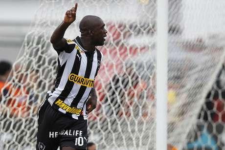 <p>Seedorf atualmente joga pelo Botafogo</p>