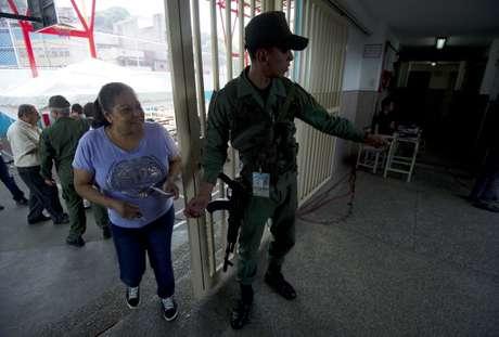 Miles de miembros de las Fuerzas Armadas Bolivarianas se desplegaron en todo el territorio nacional con el fin de resguardar el proceso electoral.