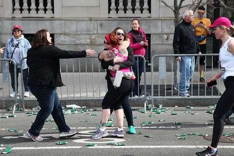 Hasta el momento se contabilizan dos personas fallecidas a causa de las explosiones en Boston.