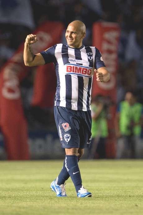 Humberto Suazo es el jugador mejor pagado en el futbol mexicano.