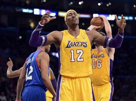 91-86. Dwight Howard asume el liderazgo y acerca a los Lakers a los playoffs
