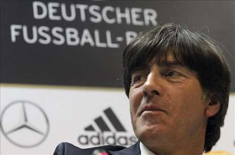 <p>Löw, contento por el doble duelo germano-español, no cree en su dominio europeo</p>