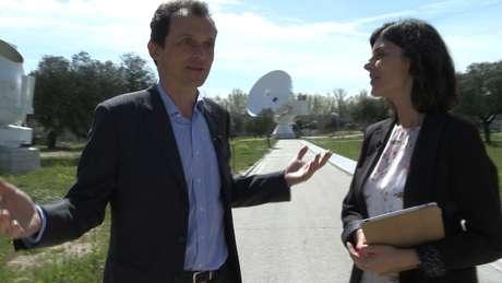 <p>Pedro Duque durante la entrevista en la Agencia Espacial Europea</p>