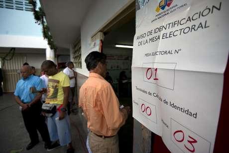 Desde las 06:00 AM (hora local) millones de electores asistieron a ejercer su derecho al sufragio en toda Venezuela.