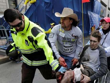 <p>The Boston Globe dio a conocer un informe de la Policía del Estado en 2003, el cual afirmaba que la maratón podía ser un blanco para terroristas por la cantidad de público que atraía.</p>