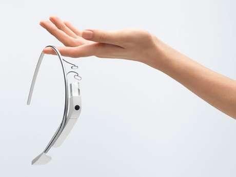 Primeiros usuários do Google Glass começam a receber aparelho