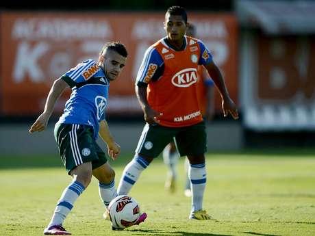 <p>Maikon Leite está confiante para clássico com o Santos, no sábado</p>