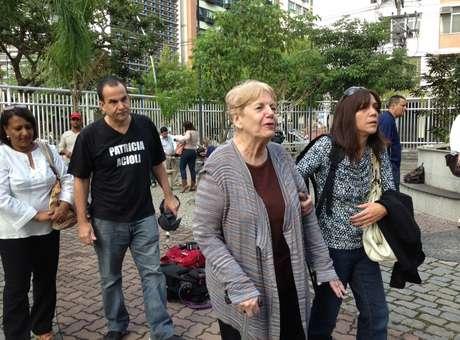 Familiares de Patrícia Accioli chegam para acompanhar o julgamento de um dos PMs acusados pela morte da juíza