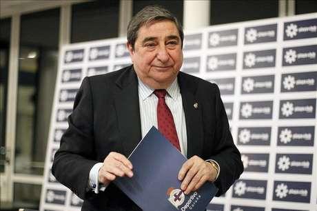El juez del concurso del Deportivo mantiene a Lendoiro sin sueldo